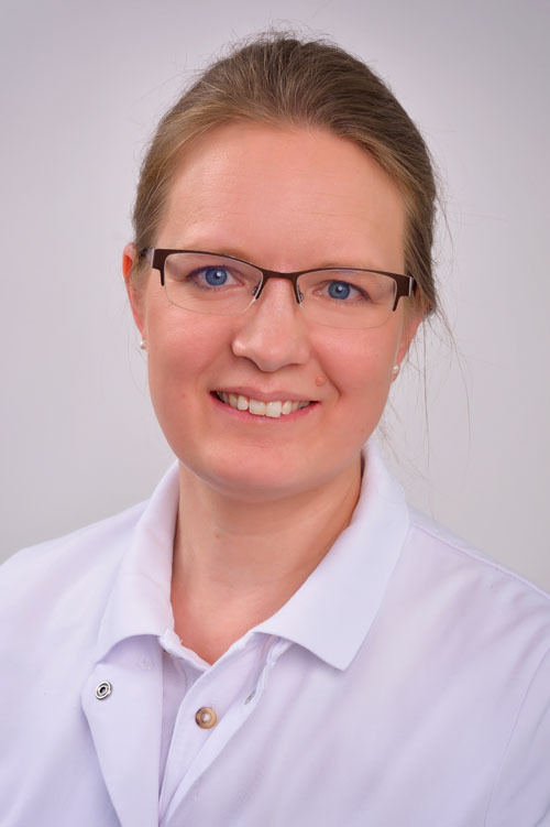 Dr. Edith Podewski,